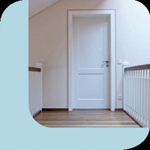 weiße Haustür